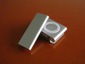 ipod-shuffle-3g-vs-2g