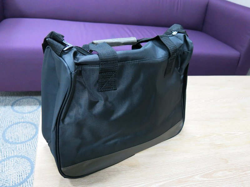 Avon Men's Club Retro Rush Overnight Bag (3)