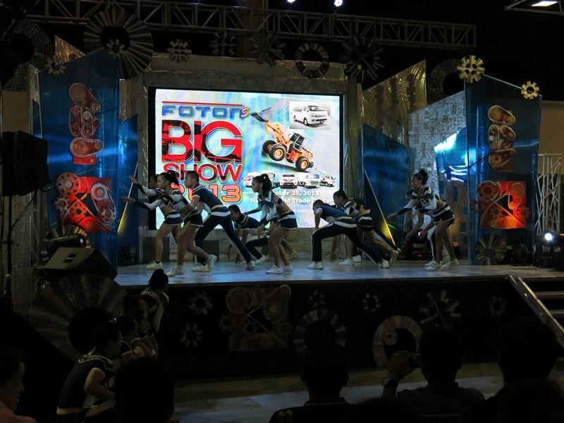 Foton Big Show with NU Pep Squad