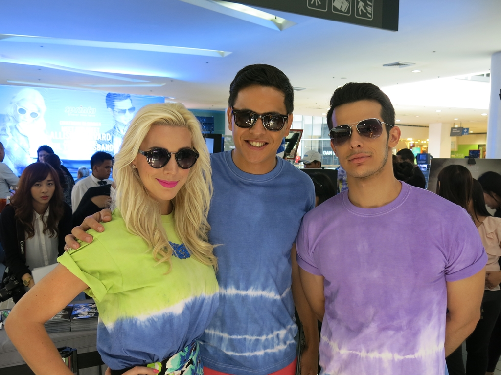 Models wearing Sprinto Sunglasses