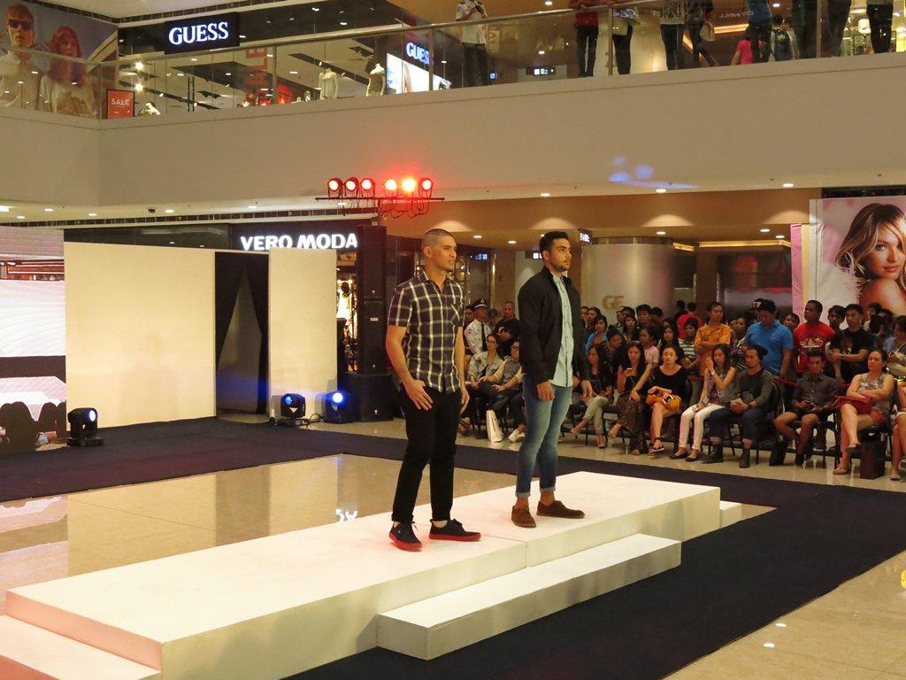 Burton Men's Fashion Rainy Season Denim 2014