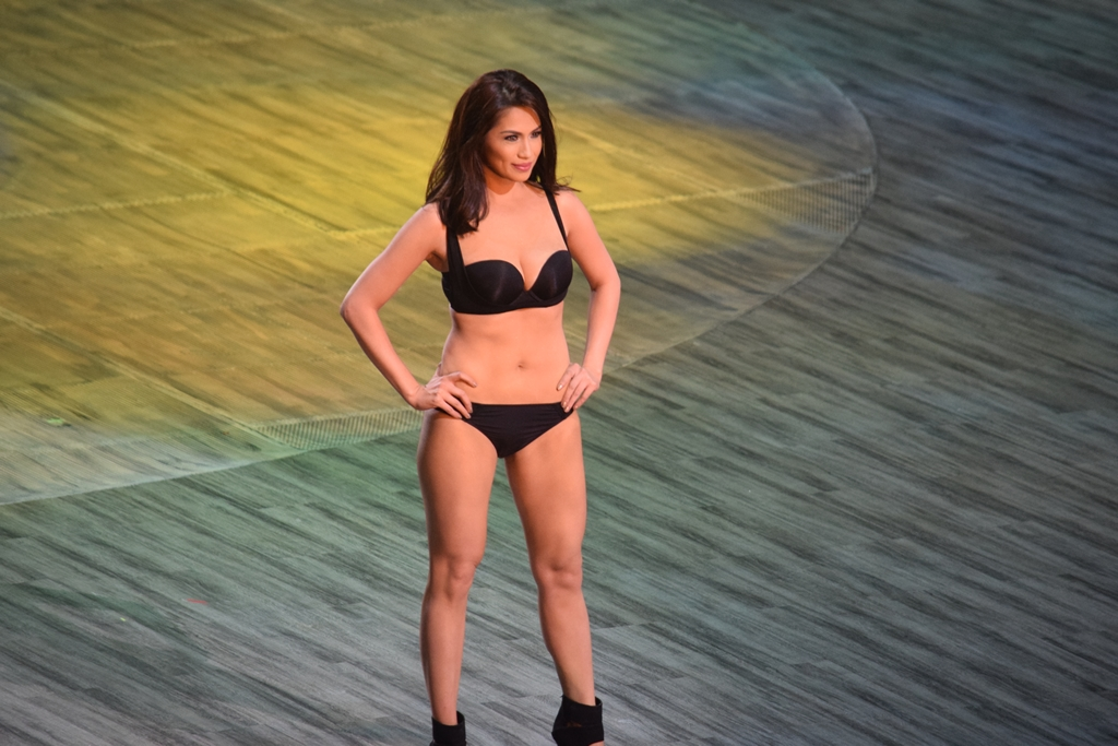 The Naked Truth: Bench Underwear and Denim Fashion Show 2014 ...