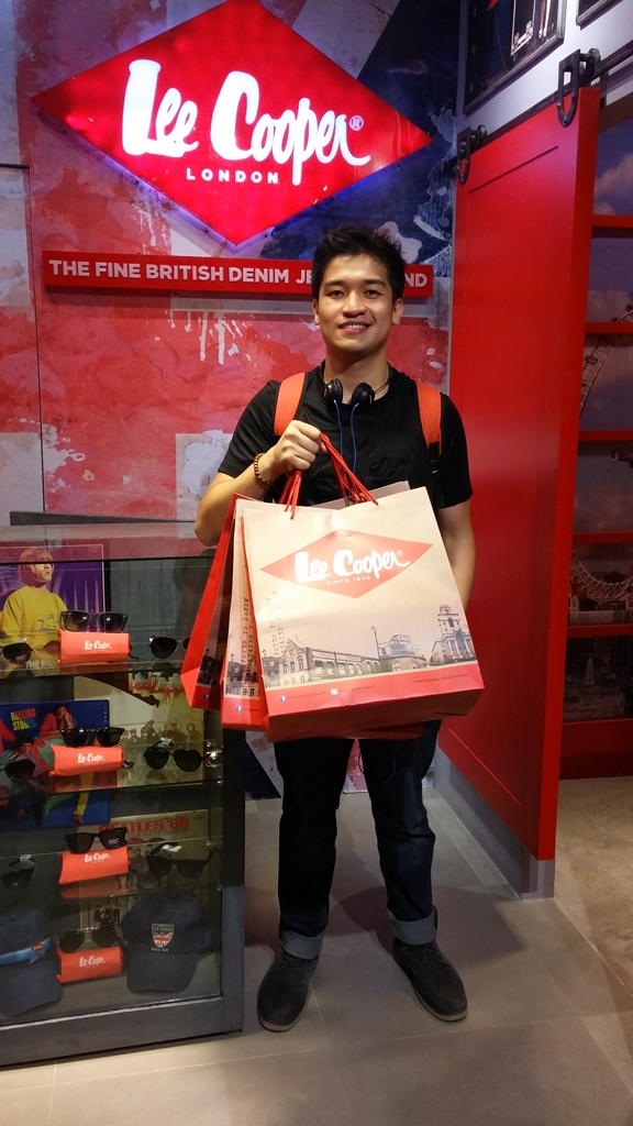 Pinoy Guy Guide Lee Cooper Store