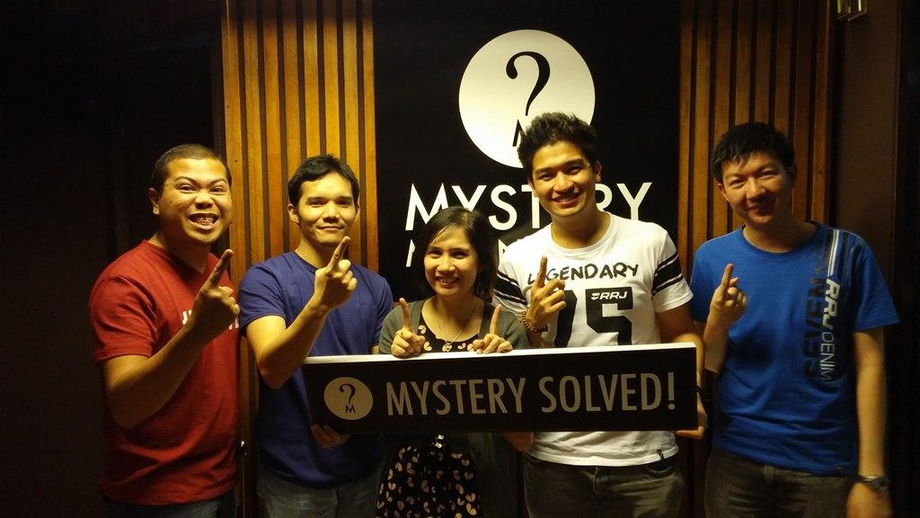 Mystery Manila (2)