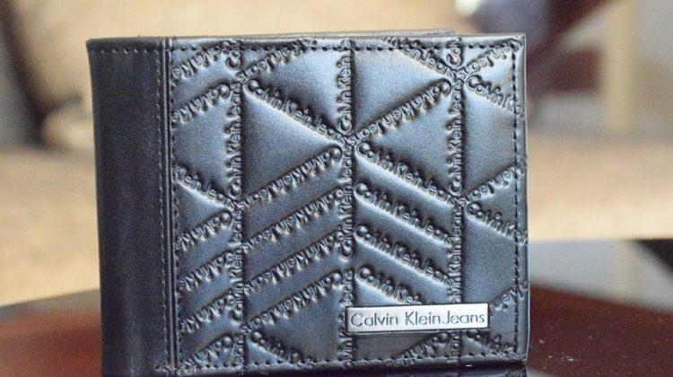 Calvin Klein Jeans Men's Trifold Wallet (4)