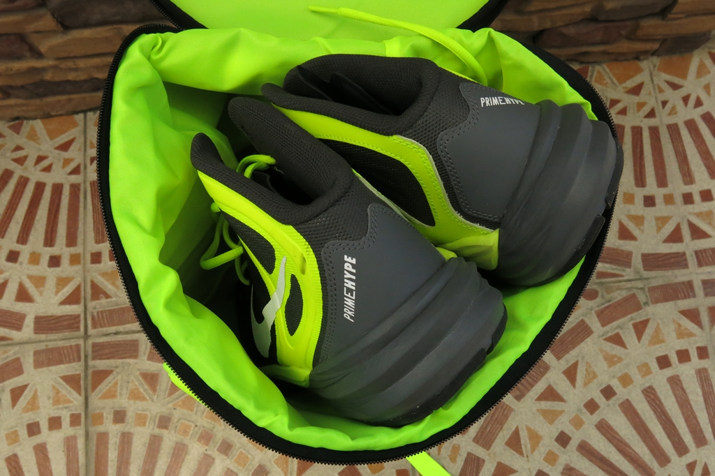Under Armour Storm Men's Waterproof Gym Bag (37)