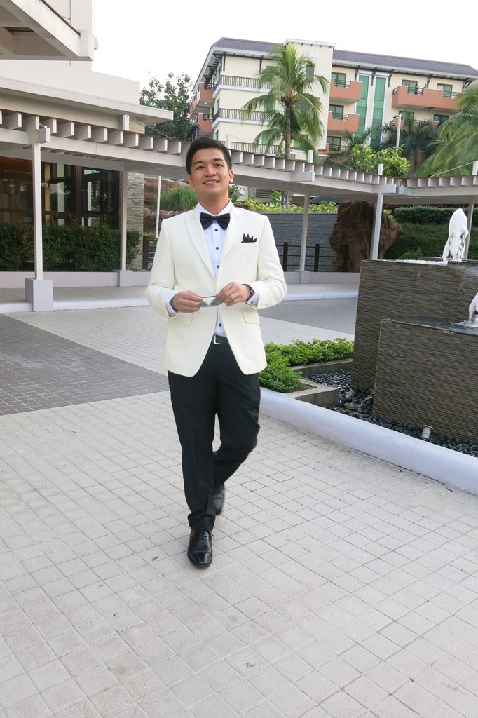 Exclusively-His-Mens-Tailored-Suit-for-Prom-1