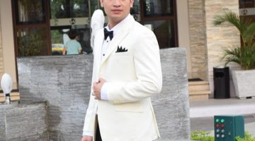 White Colored Men´s Suit