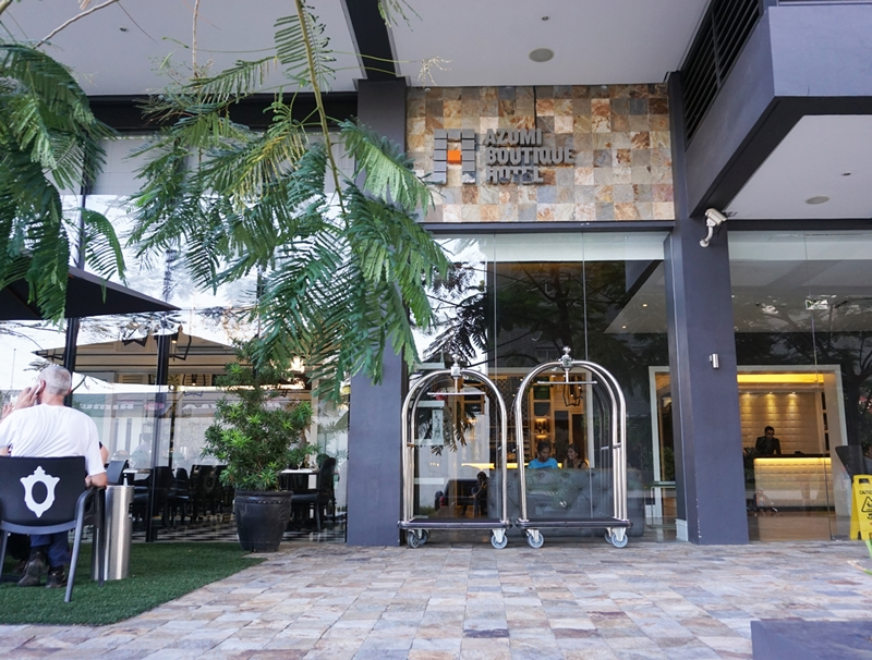 Azumi boutique hotel front 3 pinoy guy guide for Boutique hotel guide