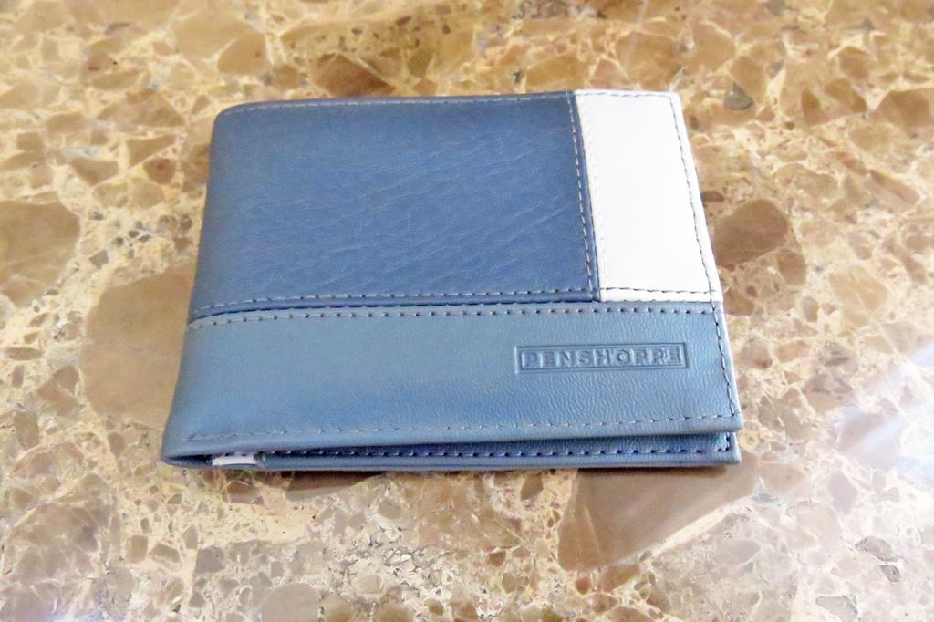 Penshoppe Men's Casual Wallet (5)