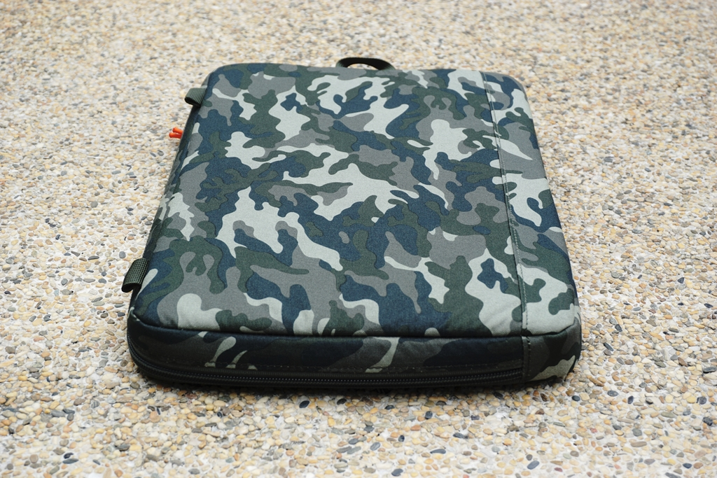 STM Arc 13-inch Laptop Sleeve Camouflage quick grab handle