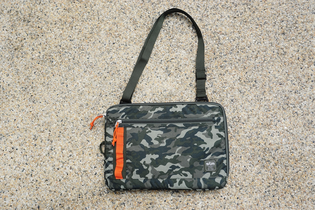 STM Arc 13-inch Laptop Sleeve Camouflage with removable strap (2)