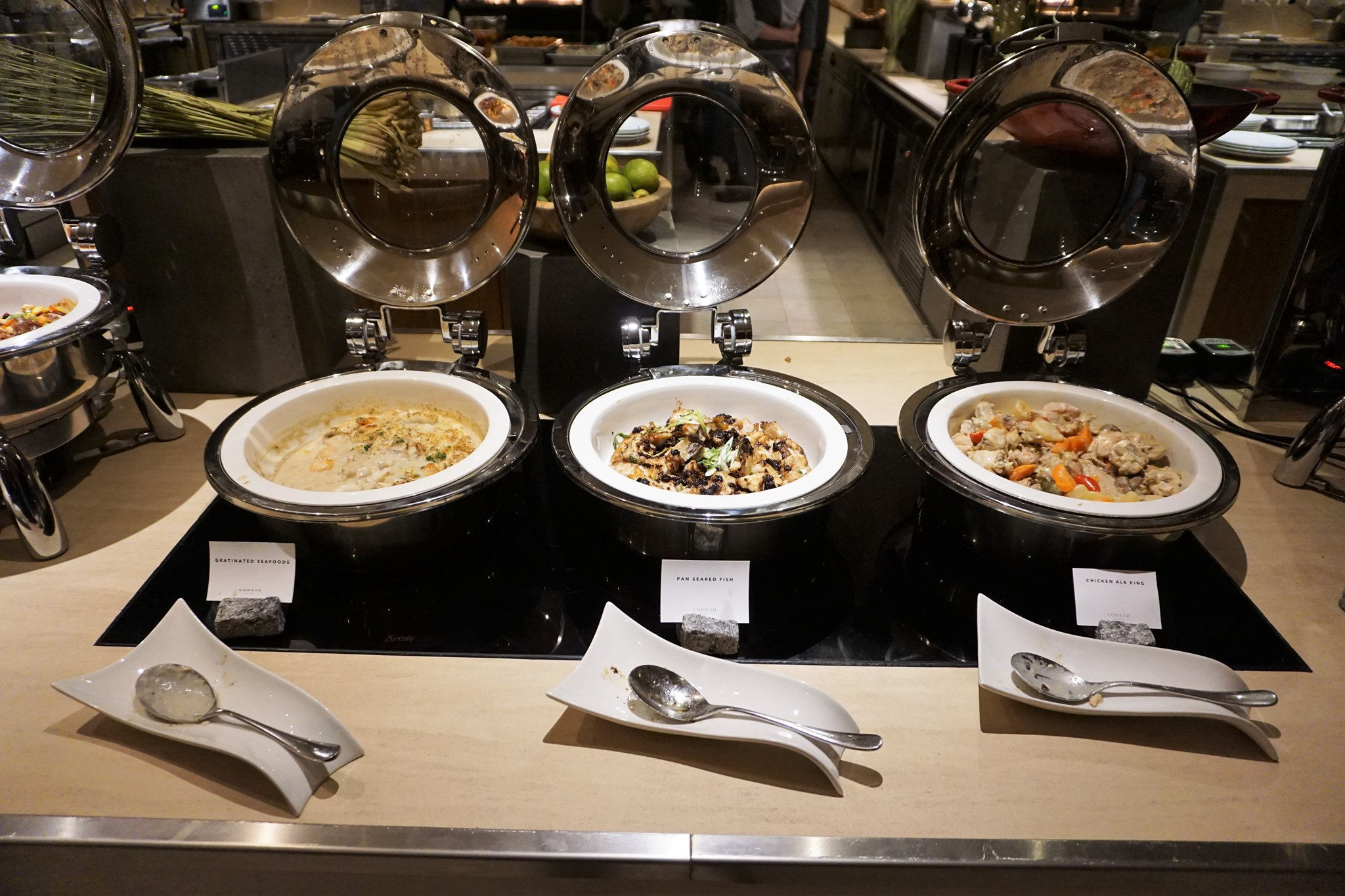 conrad-manila-buffet-1