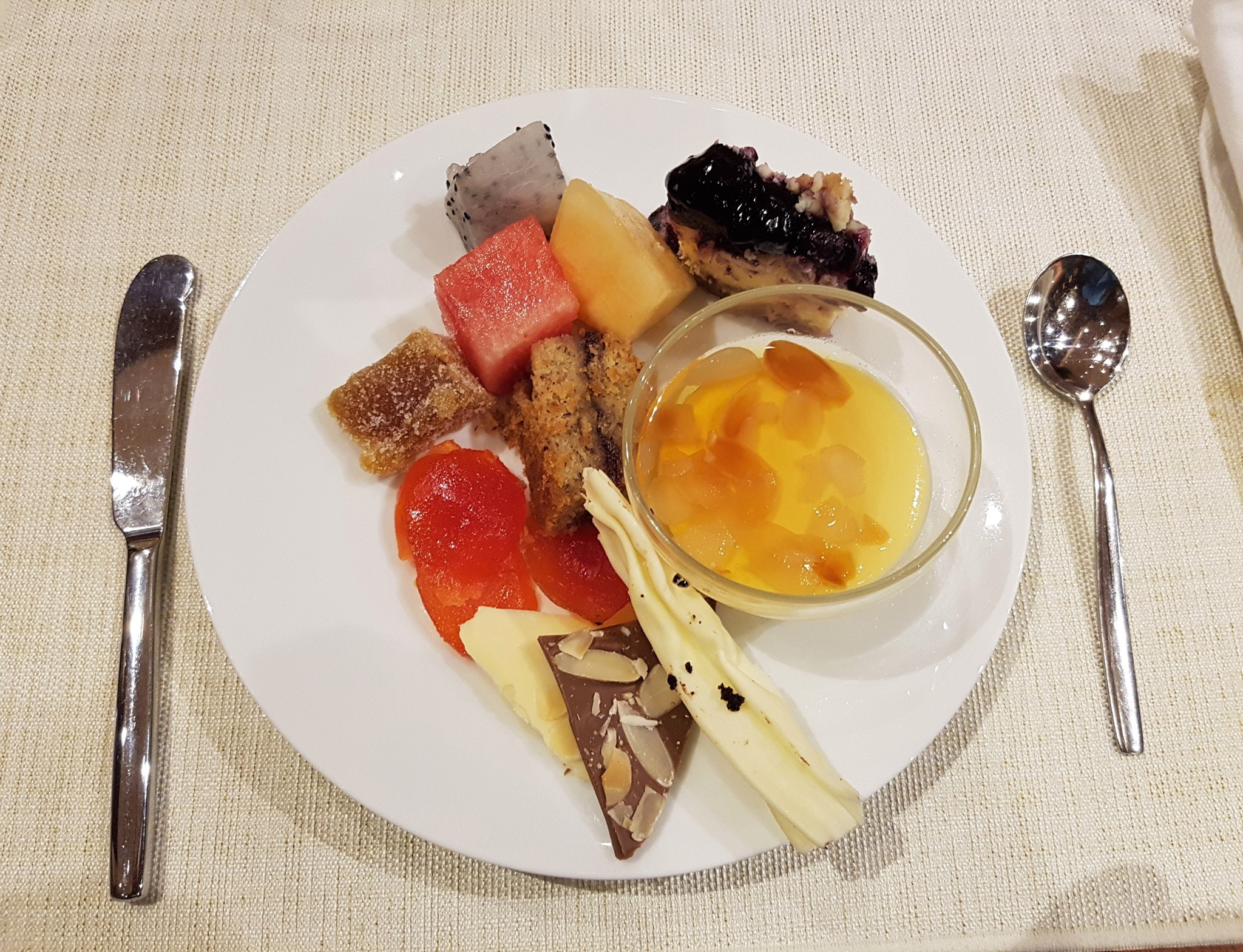 dessert-picks-at-brasserie-on-3-conrad-manila