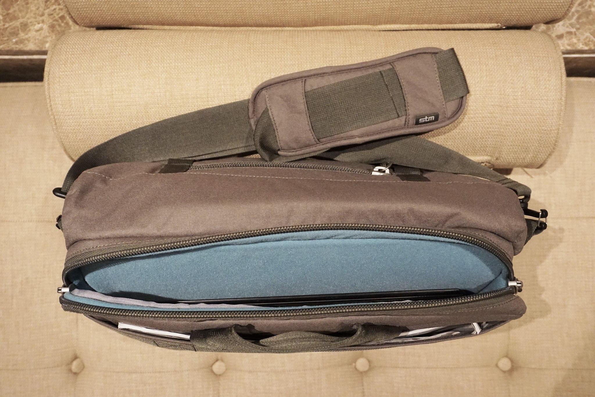 stm-trust-15-inch-laptop-messenger-bag-4