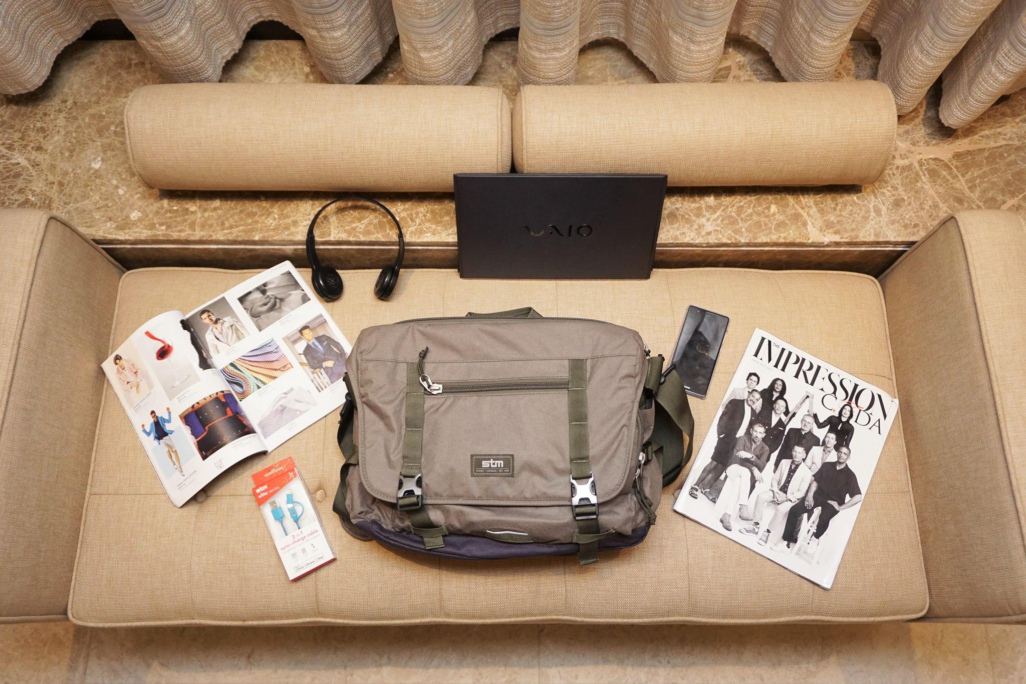stm-trust-15-inch-laptop-messenger-bag-9