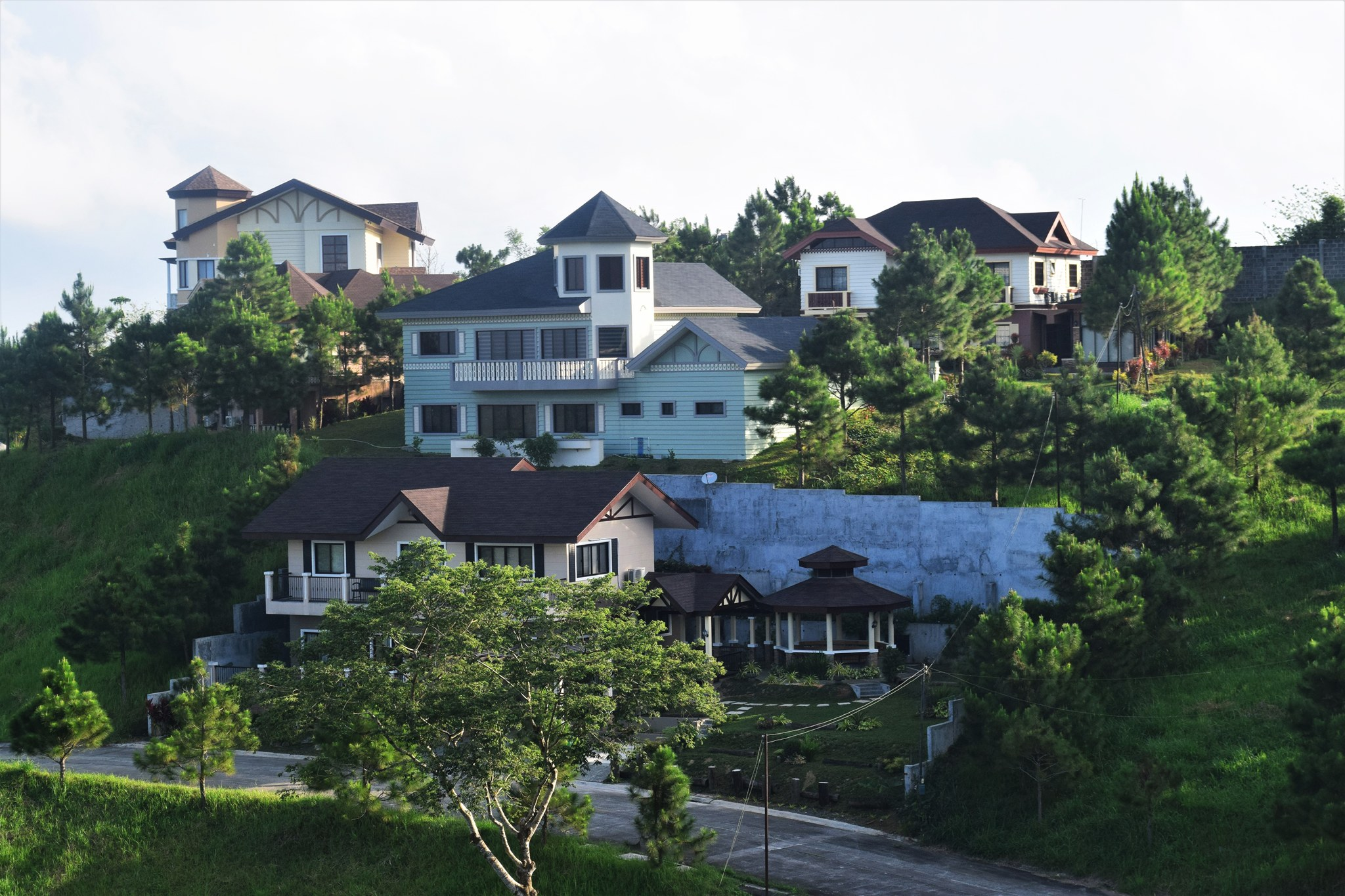 Crosswinds luxury houses tagaytay pinoy guy guide for Crosswinds homes