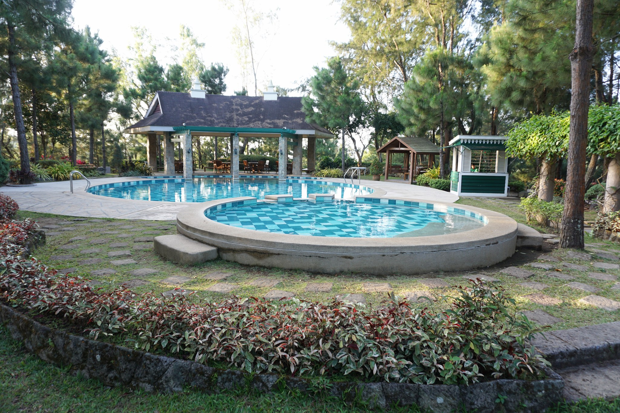 Crosswinds resort suites an uphill summer escape to the - Crosswinds tagaytay swimming pool ...