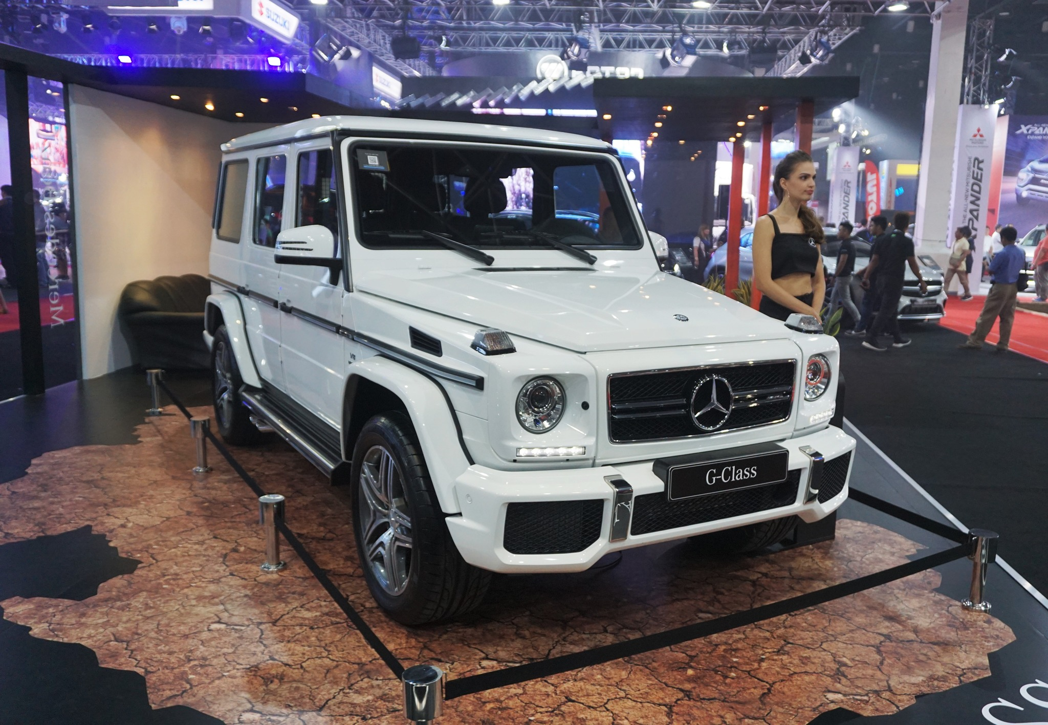 Top 10 scene stealers at the manila international auto for Mercedes benz that looks like a jeep