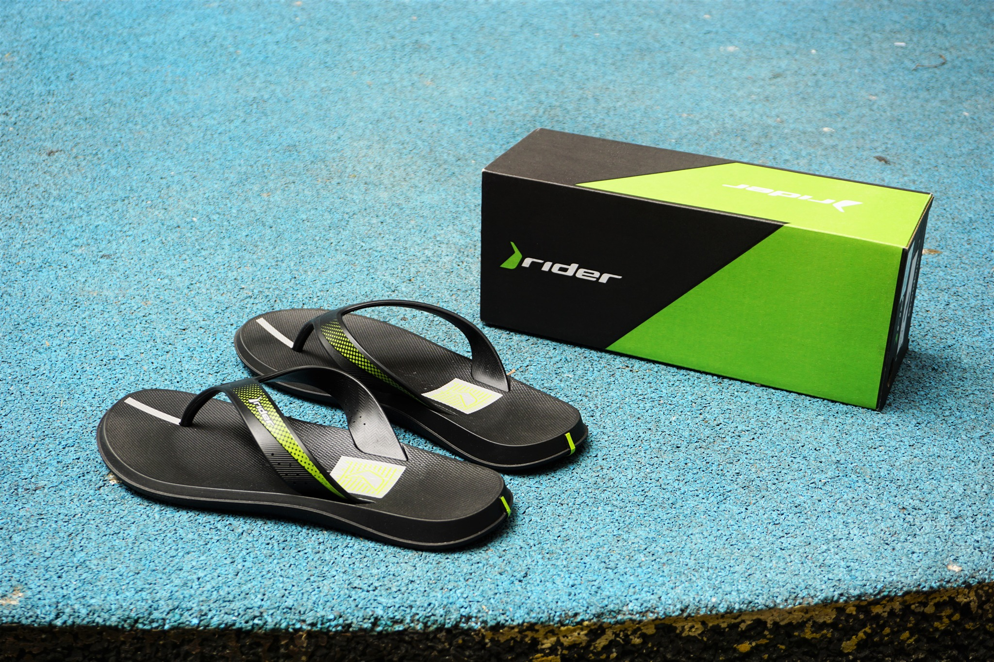 f13faca7a930 Rider R Line Hypercool  The Mandatory Flip-Flops for Guys this ...
